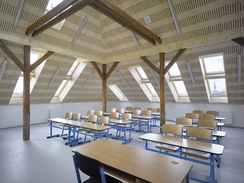 Acoustic cladding – Kindergarten and Elementary school Nučice