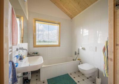 Koupelna v rodinné dřevostavbě