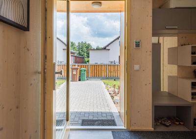 Vstupní místnost do dřevostavby - rodinný dům u Ostravy